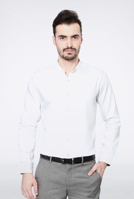 Van Heusen White Solid Casual Shirt