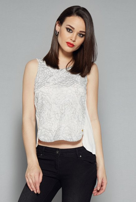 Nuon White Gilly Top