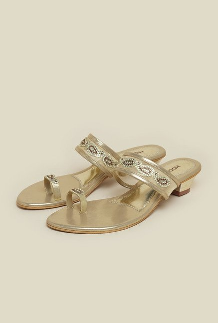 Mochi Gold Toe Ring Ethnic Sandals