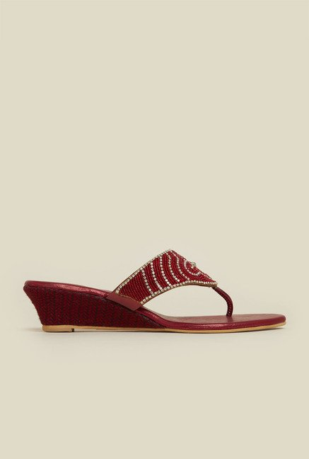 Mochi Maroon Wedge Heel Sandals