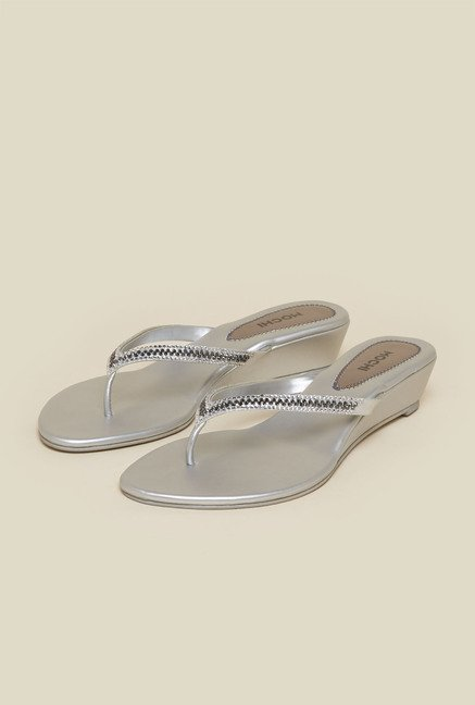 Mochi Silver Thong Wedges