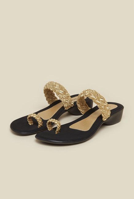 Mochi Gold Toe Ring Flat Sandals