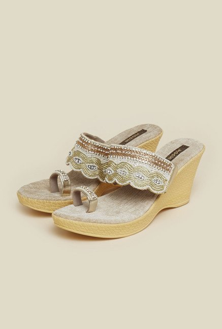 Mochi Gold Toe Ring Wedges