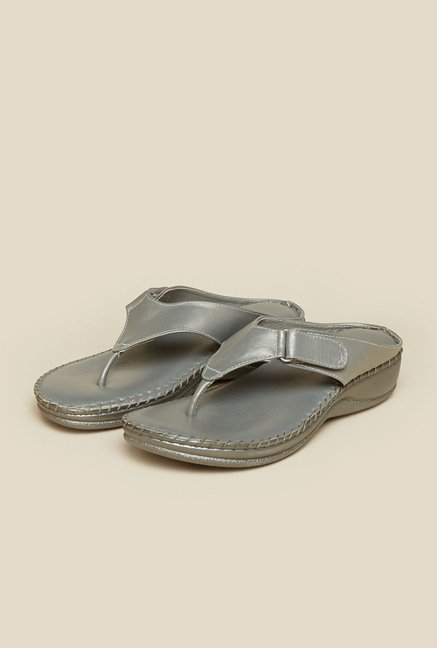 Mochi Silver Leather Thong Sandals