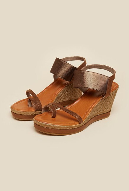 Inc.5 Bronze Back Strap Wedges