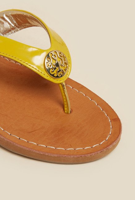 Inc.5 Yellow Flat Thongs