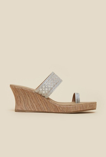Inc.5 Silver Toe Ring Wedge Sandals