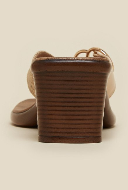 Inc.5 Beige Platform Thongs
