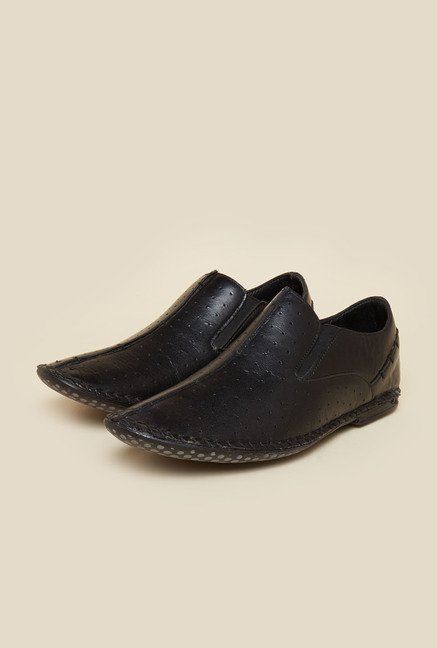 Privo by Inc.5 Black Casual Slip-Ons