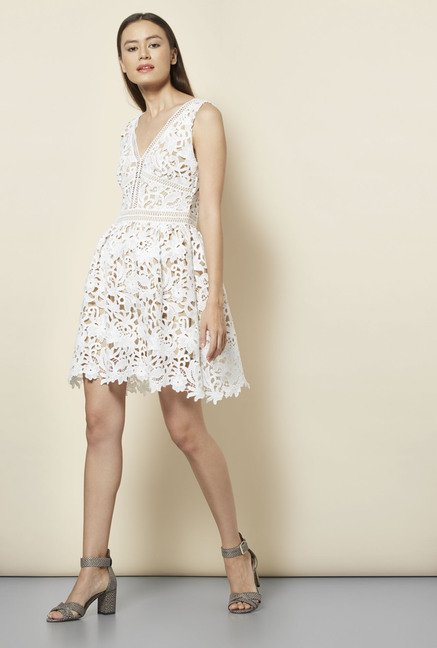 c2b46e5729494 Buy New Look White Lace Skater Dress Online at best price at TataCLiQ