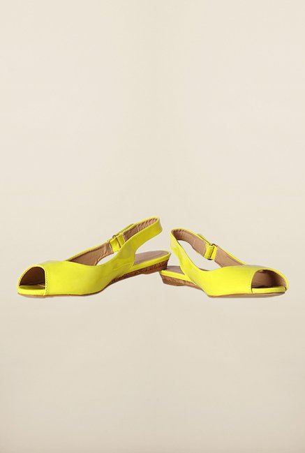 Van Heusen Yellow Back Strap Sandals