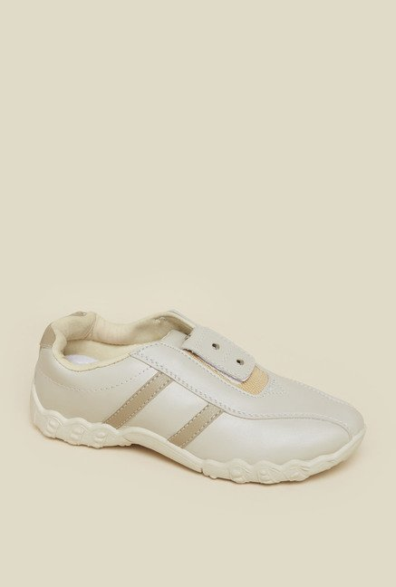 Zudio Cream Training Shoes
