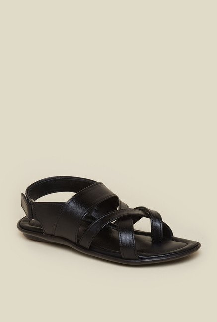 Zudio Black Toe Strap Sandals