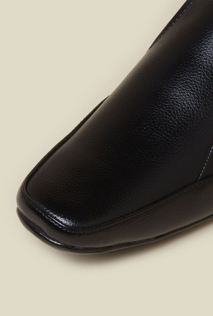 Zudio Black Derby Slip-on Shoes