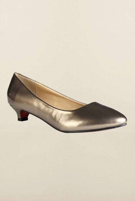 Van Heusen Gold Pump Shoes
