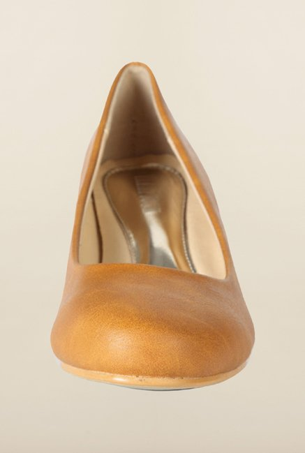 Van Heusen Tan Pump Shoes
