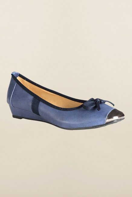 Van Heusen Blue Pump Wedges