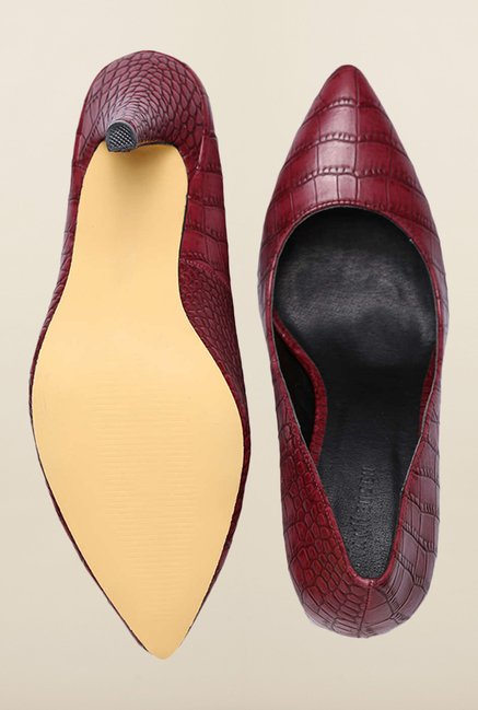 Van Heusen Maroon Casual Shoes
