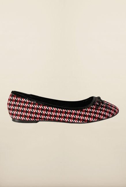 Van Heusen Red & Black Flat Ballerinas