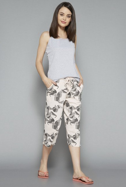 Intima Light Pink Printed Capri