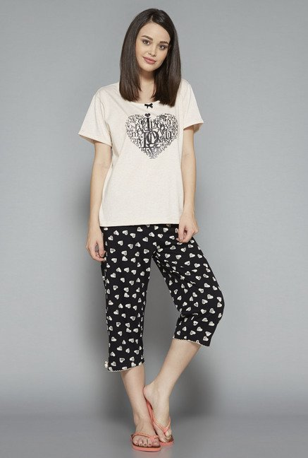 Intima Black Printed Heart Capri Set