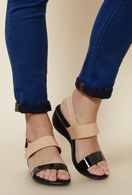 Zudio Black & Beige Back Strap Sandals