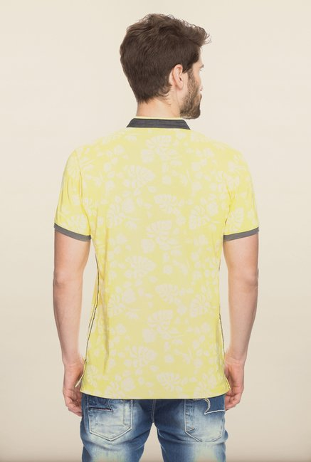 Spykar Yellow Printed Slim Fit T shirt
