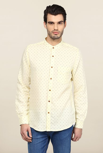Turtle Off White Printed Casual Shirt