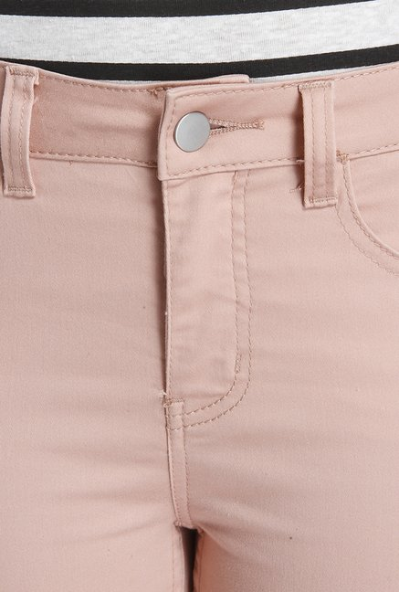 Only Misty Rose Solid Skinny Fit Shorts
