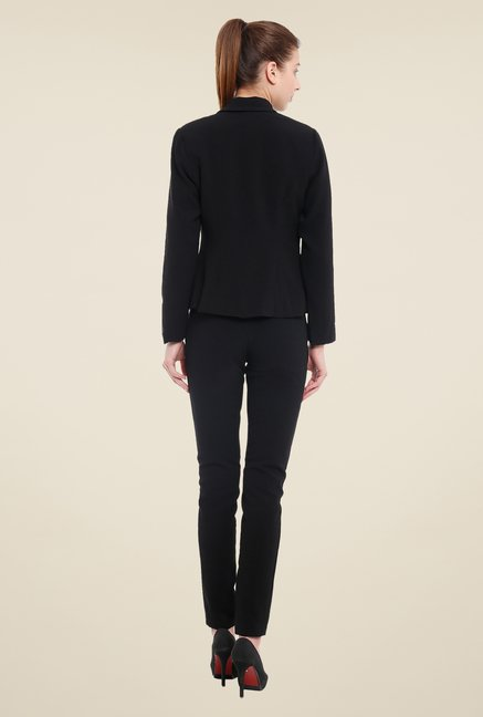 Avirate Black Solid Blazer