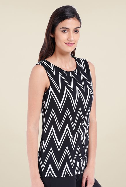 Avirate Black Chevron Printed Top