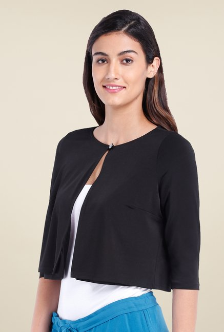 Avirate Black Solid Round Neck Shrug