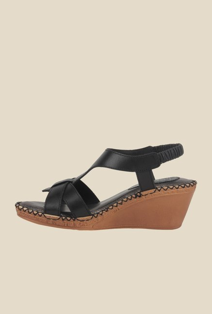 La Briza Black Back Strap Sandals