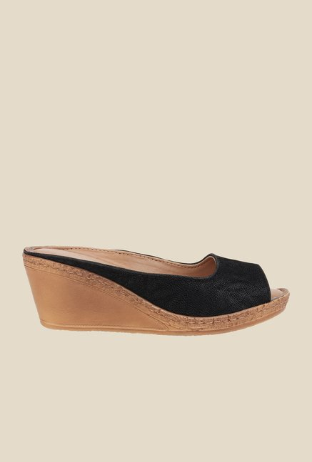La Briza Black Mule Wedge Sandals