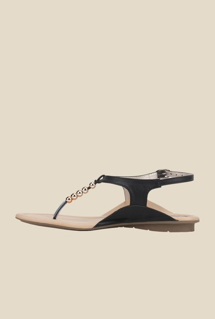 La Briza Black Thong Sandals