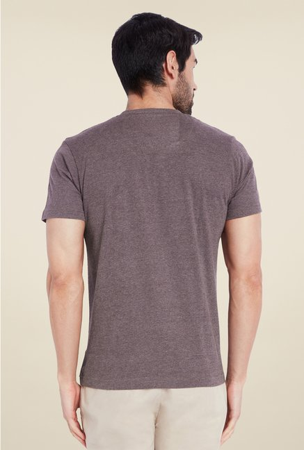 Park Avenue Brown Solid Henley Neck T Shirt