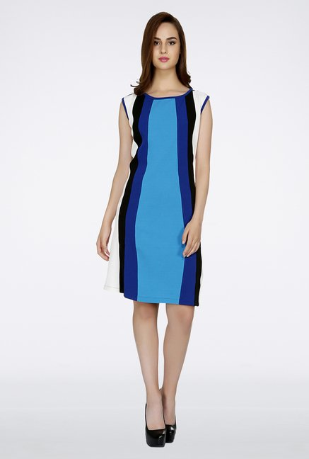 109 F Blue Solid Dress