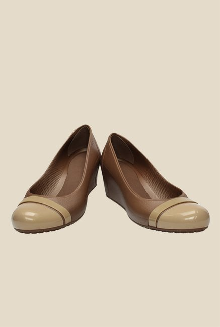 Crocs Cap Toe Bronze & Beige Pumps