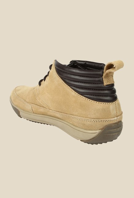 Spunk Evoque Camel Chukka Shoes
