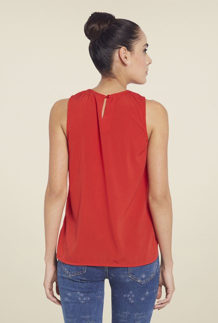 Globus Red Solid Sleeveless Top
