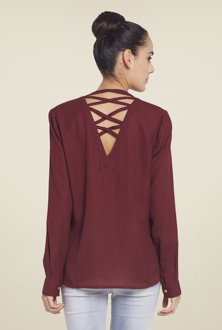 Globus Maroon Solid V-Neck Top