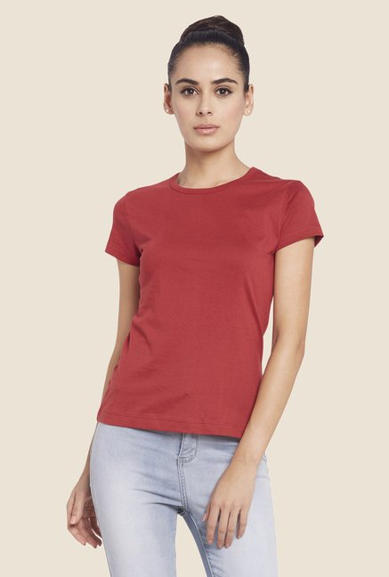 Globus Red Solid Short Sleeve Top