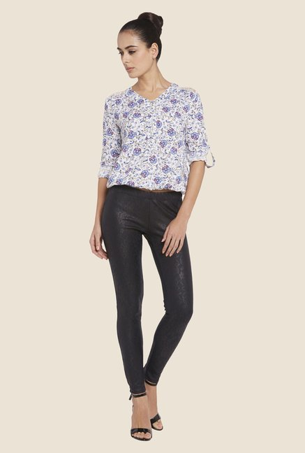 Globus Off White & Blue Floral Print V-neck Top