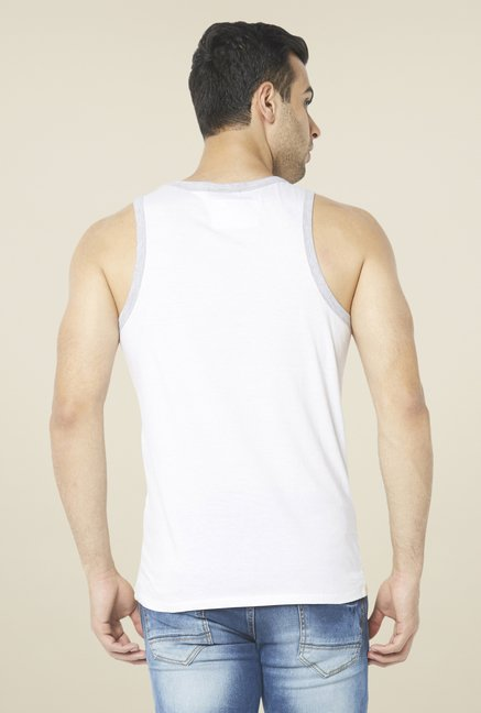 Globus White Solid T Shirt
