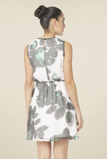 Globus White Printed Dress