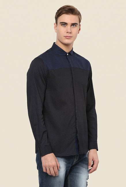 Yepme Black Ashten Premium Shirt