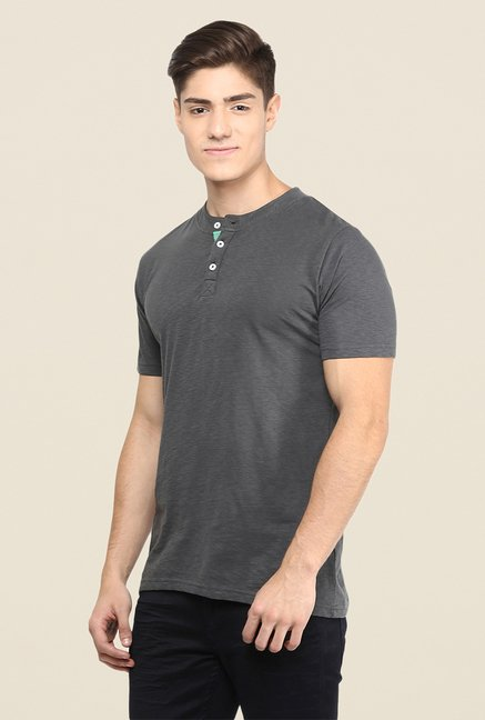 Yepme Grey Solid Henley T Shirt