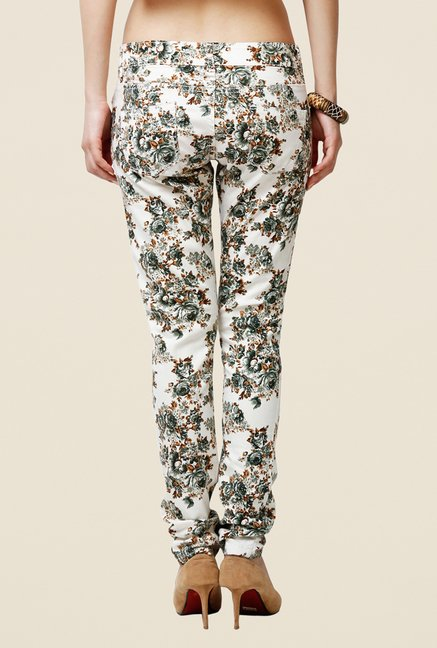 Yepme Estella Off-white & Green Floral Print Chinos