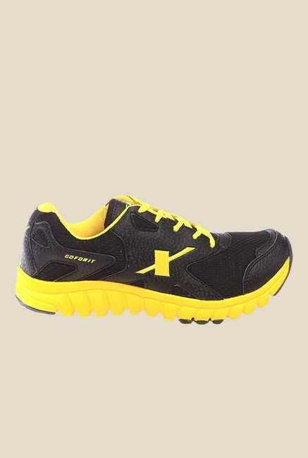 Sparx Black & Yellow Running Shoes