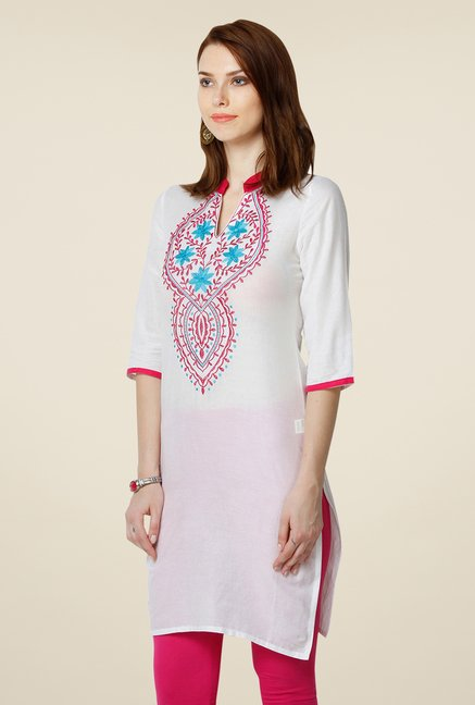 Yepme White Imelda Embroidered Kurti